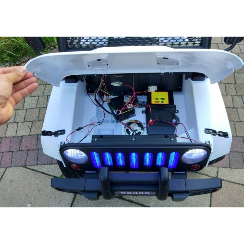 Elektromobilis JEEP S2388 baltas