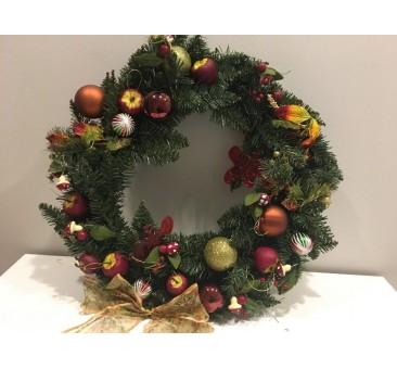 Kalėdinis vainikas su dekoracijomis GRETA, 60 cm