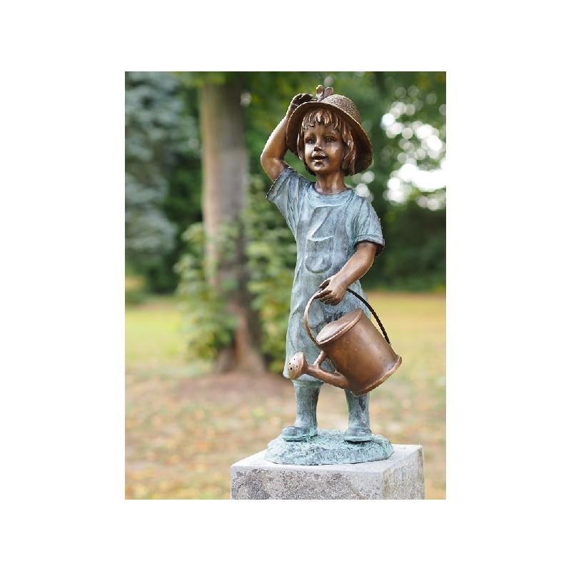 Mergaitė su laistytuvu H 64 cm Mergaitė su laistytuvu