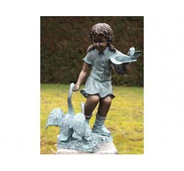 Sodo skulptūra H 54 cm Mergaitė su žąsimi