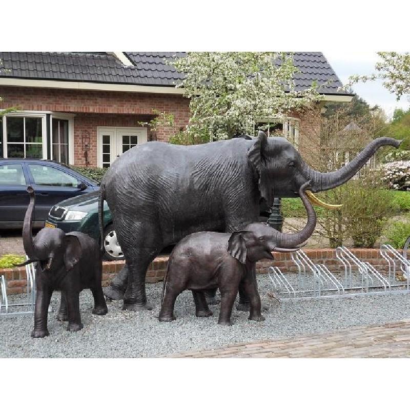 Sodo skulptūra Dramblys, 189x140x321, 134x144x45, fontanas
