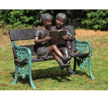 Sodo skulptūra 2 vaikai ant suolo, 95x60x100
