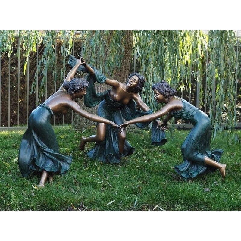 Sodo skulptūra Šoka 3 moterys, 125x160x165