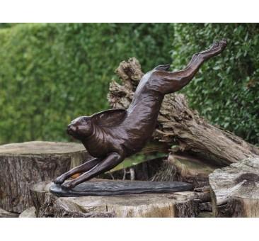 Sodo skulptūra Bėgantis triušis, 85x18x72