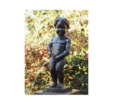 Sodo skulptūra Besišlapinantis berniukas, 60x20x25