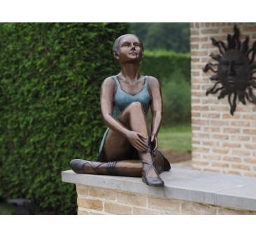 Sodo skulptūra Sėdi balerina, 66x49x68