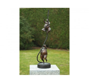 Sodo skulptūra Ponios ant virvės, 80x19x19