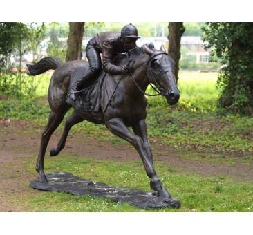 Sodo skulptūra Žokėjus ant žirgo, 200x80x350