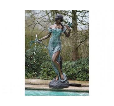 Sodo skulptūra Moteris su gėlių fontanu, 180x135x50