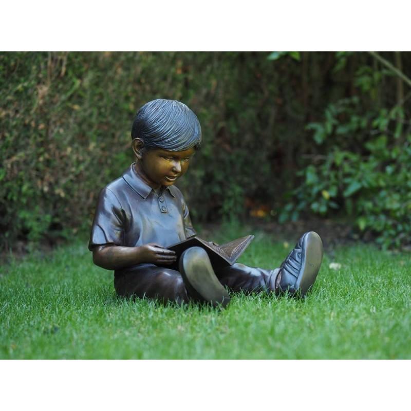 Sodo skulptūra Skaitantis berniukas, 45x41x39