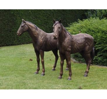 Sodo skulptūra Pora arklių, 128x35x125