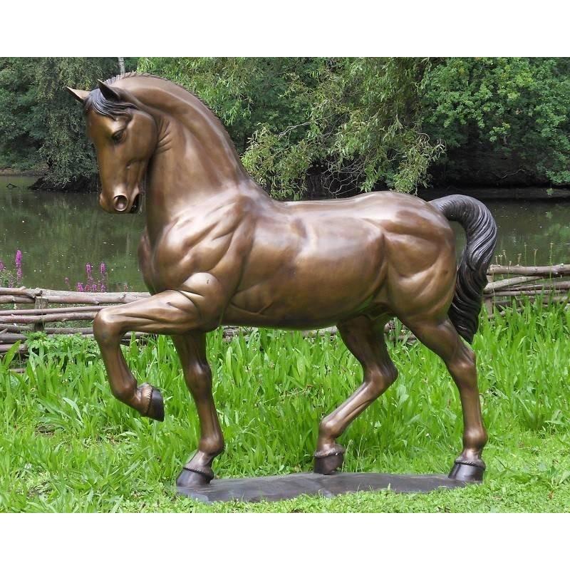 Sodo skulptūra Arklys, 127x36x148