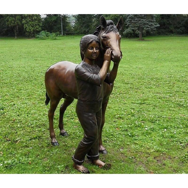 Sodo skulptūra Mergina su poniu, 125x49x120