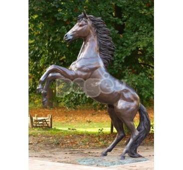 Sodo skulptūra H 227 cm, E910